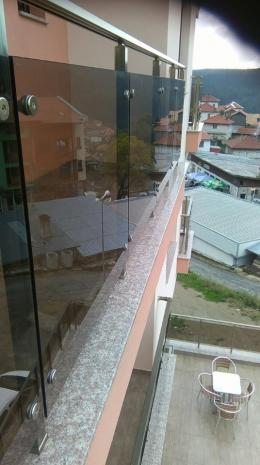 Стъклен парапет - Алутрейдинг ЕООД - Пловдив