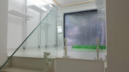 Стъклени Парапети от Алутрейдинг ЕООД с захващане изработено от Барос Вижън Парапети - 01 - Алутрейдинг ЕООД - Пловдив