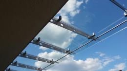 Навес от неръждаема конструкция и закалено стъкло изработен от Барос Вижън ЕООД и изпълнен от Алутрейдинг ЕООД - 02 - Алутрейдинг ЕООД - Пловдив