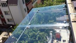 Навес от неръждаема конструкция и закалено стъкло изработен от Барос Вижън ЕООД и изпълнен от Алутрейдинг ЕООД - 03 - Алутрейдинг ЕООД - Пловдив
