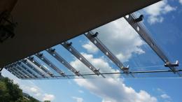 Навес от неръждаема конструкция и закалено стъкло изработен от Барос Вижън ЕООД и изпълнен от Алутрейдинг ЕООД - 08 - Алутрейдинг ЕООД - Пловдив