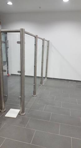 Заграждения от неръждаема конструкция и стъкло и стъклена врата - 05 - Алутрейдинг ЕООД - Пловдив