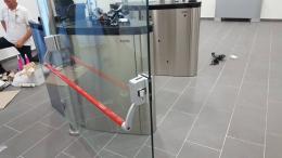 Заграждения от неръждаема конструкция и стъкло и стъклена врата - 08 - Алутрейдинг ЕООД - Пловдив