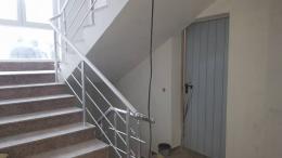10 - Алуминиеви парапети с масово стъкло и квадратни профили - Алутрейдинг ЕООД - Пловдив